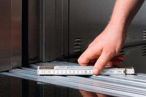 Ebener Übergang: Richtig gewartete Aufzüge schützen vor Regressforderungen<br />
