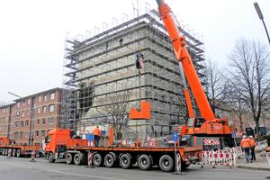 Schweres Gerät wird angefahren für den Abriss des Henriettenbunkers