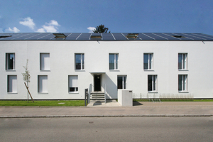 Sobek-Konzept (Pfuhlerstr. 4-8): Durch den Ausbau der Dachgeschosse wurde zusätzlicher Wohnraum geschaffen. Die Haustechnik ist in die Gebäudehülle integriert