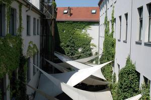 Kombination von Maßnahmen (Verschattung, Fassadenbegrünung, Rückstrahlung der Wandflächen)