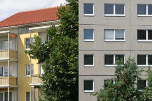 Vorher/Nachher-Vergleich der Plattenbauten.