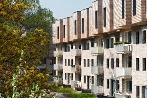 Die Bestandsbauten in der Bebel-allee in Hamburg Alsterdorf wurden um zwei Geschosse aufgestockt<br />