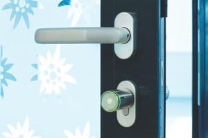 Mit elektronischen Schließsystemen kann auch der Zutritt für gemeinschaftlich genutzte Räume in Wohnanlagen einfach organisiert werden<br />