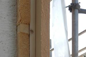 Gut zu erkennen: die verschiedenen Ebenen des WDV-Systems inklusive der Konterlattung auf der alten Ziegelsteinwand