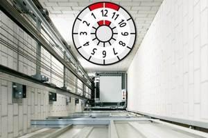 Schindler-Geschäftsführer Paolo Compagna fordert ein bundeseinheitliches Anlagenkataster und eine verbindliche Prüfplakette für mehr Aufzugssicherheit.