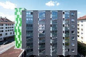 Die Fassade lebt von einem spannungsvollen Wechselspiel zwischen Klinkeroptik und Glas